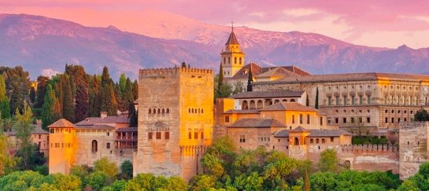 Mavarska-palata-Alhambra-islamska-umetnost-i-arhitektura-Malaga-Granada-Spain
