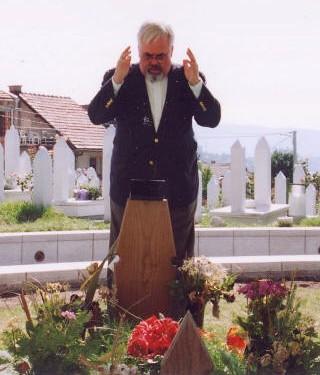 Sulejman na Alijinom mezaru