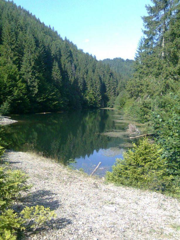 jezero mala rijeka