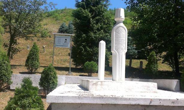 Tesanj-Musin mezar