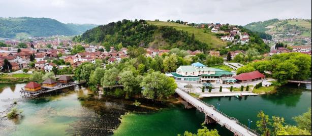 bosanska-krupa-trg-alije-izetbegovic487a